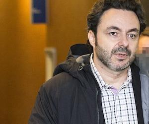 L'écrivain jeunesse Maxime Roussy fait face à 11 accusations de nature sexuelle sur une mineure, qui avait à l'époque entre 14 et 16 ans.