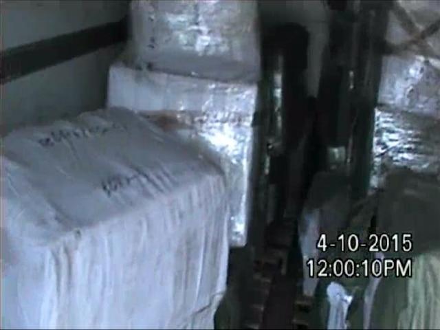 Michael Kors n'a pas attendu que les policiers interviennent pour saisir de nombreux articles dans une dizaine de lieux de la région montréalaise.