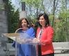 La mairesse de Sainte-Anne-de-Bellevue Paola Hawa et la mairesse de Montréal Valérie Plante