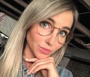 La nouvelle couleur de cheveux de Jessie Nadeau