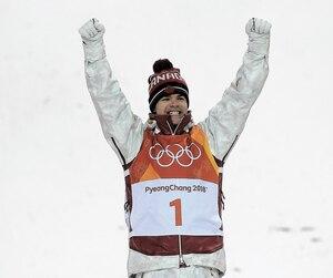 Mikael Kingsbury a remporté la médaille d'or à l'épreuve de bosses.