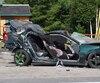 Le passager de cette voiture n'a eu aucune chance après que le conducteur eut frappé un poteau à Saint-Lambert-de-Lauzon. Ce dernier a pour sa part subi d'importantes blessures.