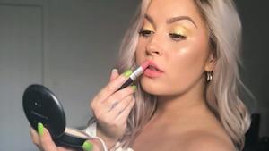 Image principale de l'article LA couleur de maquillage que tout le monde porte