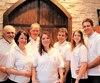 Les sept actionnaires, les membres de la famille Cossette-Gauthier. Dans l'ordre, de gauche à droite: Normand Gauthier, Françoise Cossette, René Paquin, Isabelle Gauthier, Éric Gauthier, Mylène Gauthier et Steve Massicotte.