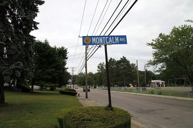 Plusieurs rues à Woonsocketportent encore des noms français.