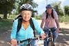 En plus de mettre à contribution toutes les parties du corps, la pratique régulière du vélo permet d'augmenter le capital osseux et de réduire le stress.