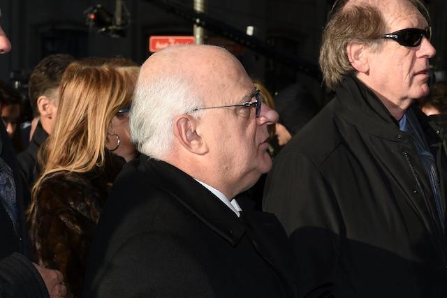 Michel Trudel au centre lors de l'entrée des invités aux funérailles de René Angelil, célébrées ce vendredi après-midi 22 janvier 2016, à la Basilique Notre-Dame, à Montréal.
