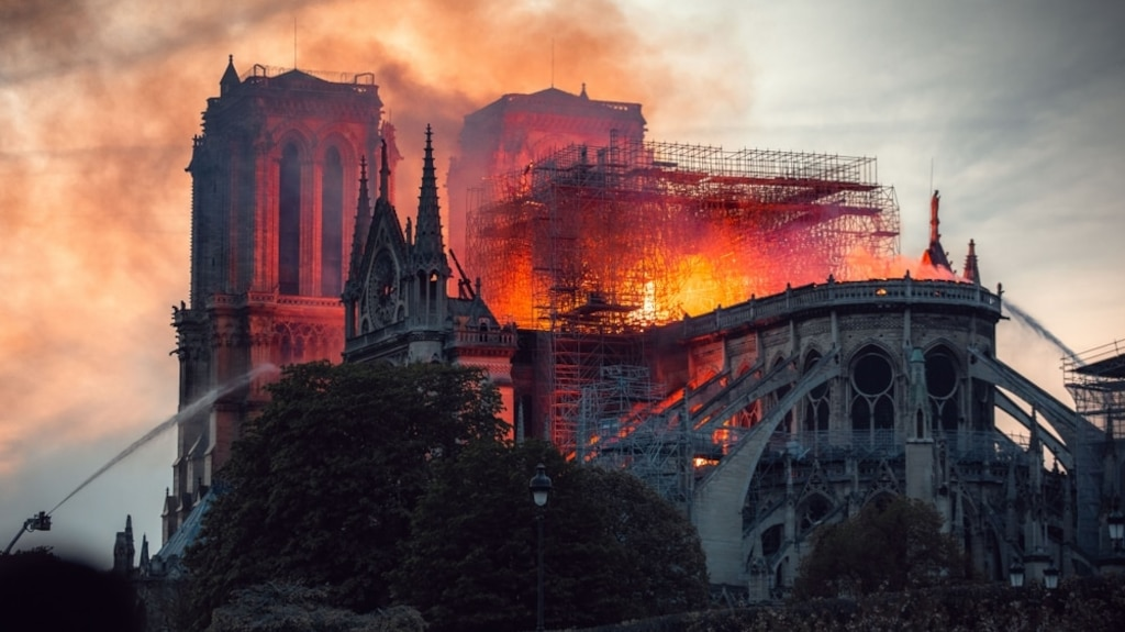 Un texte de Ken Follett sur Notre-Dame de Paris à paraître