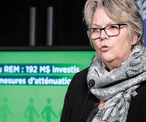 La ministre déléguée aux Transports, Chantal Rouleau, lors de l'annonce des mesures d'atténuation des impacts des travaux pendant la construction du REM.
