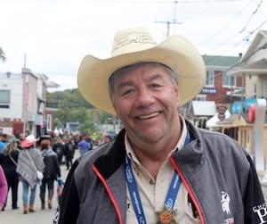 Le Français Didier Luca participe au Festival western depuis 21 ans. Et depuis 10 ans, le Parisien agit même comme bénévole.