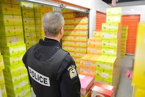Dans un entrepôt du boulevard Newman à LaSalle, la police de Laval a découvert 2600 kilos de chicha.