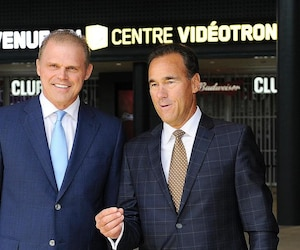 Benoît Robert en compagnie de Pierre Dion lors de l'inauguration du Centre Vidéotron en septembre 2015.
