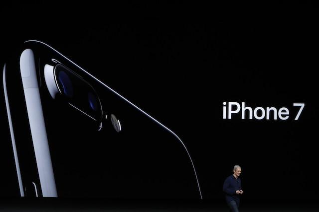 Tim Cook dévoile le nouveau iPhone 7.