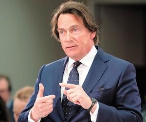 Pierre Karl Péladeau devant le CRTC, hier.