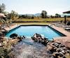 La piscine de détente, isolée et intime.