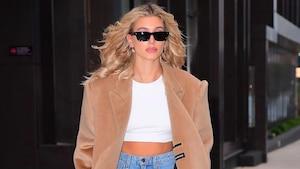 Image principale de l'article La paire de «mom jeans» favorite de Hailey Bieber