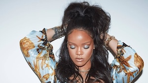 Rihanna lance un rouge à lèvres inspiré des règles