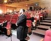 Max Lieberman pose une question lors de la soirée d'information sur l'aménagement d'une synagogue sur l'avenue Bernard dans l'arrondissement Outremont, à Montréal, le 27 février 2019. BÉATRICE RY-BRUNET /24 HEURES/AGENCE QMI