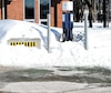 Hydro-Québec veut installer 1600 nouvelles bornes de recharge rapide d'ici 2027. Sur la photo, une des anciennes bornes, moins performantes, à Québec.