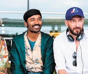 Le réalisateur québécois Ken Scott (à droite) en compagnie des acteurs Gérard Jugnot et Dhanush.