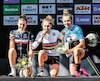 Simone Boilard (à droite) est grimpée sur la troisième marche du podium aux Championnats du monde de cyclisme sur route juniors, en septembre 2018, en Autriche.