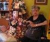 À Noël, des sacs de plastique remplis de vêtements ornaient le plancher de Mme Lavoie près du sapin où on aurait dû trouver des cadeaux.
