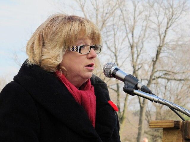Carole Poirier, lors de la cérémonie du Souvenir de la Société Saint-Jean-Baptiste de Montréal, le dimanche 11 novembre 2012, à Montréal.ÈVE LÉVESQUE/24 HEURES/AGENCE QMI