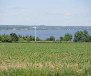 Les promoteurs qui souhaitent embouteiller l'eau provenant du lac Saint-Jean.