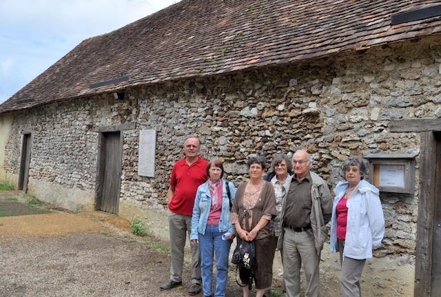 Les membres de l'association Les Cousins acadiens du Poitou se chargent de l'accueil des visiteurs au musée acadien.