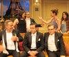 Dans les coulisses de la pièce Les 3 Ténors, il y avait de la confusion jumelée à du plaisir lors de la prise de photo. Les 3 Ténors, Luc Guérin, Carl Poliquin et Benoît Brière étaient entourés de Catherine Sénart, Martin Drainville, Marie-France Lambert et Nathalie Doummar.