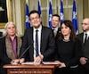 Alex Tyrrell du Parti Vert, Manon Massé de Québec Solidaire, Jean-Sébastien Dufresne du Mouvement démocratie nouvelle, Benoît Charette de la Coalition avenir Québec, Veronique Hivon du Parti québécois et Sol Zanetti d'Option nationale.
