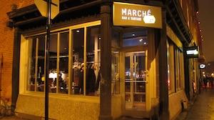 Le Marché 27 de la rue Prince-Arthur, à Montréal, où sept consommateurs auraient été victimes d'une intoxication alimentaire à la bactérie E. coli en décembre dernier.