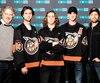 Normand D'Amour, Trevor Tave Momesso, Samuel Gauthier, Pier-Gabriel Lajoie et Émile Proulx-Cloutier jouent dans Demain des hommes : une série qui plonge dans l'univers du hockey junior.