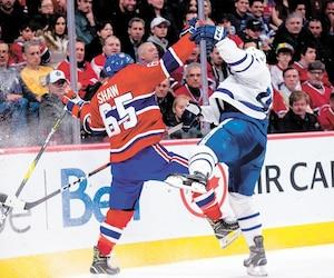 Contre les Maple Leafs samedi soir, Andrew Shaw a fait preuve de beaucoup d'agressivité.