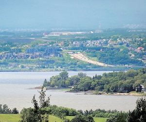 Pour développer de nouvelles routes au Québec, il y a toujours du fric, même quand on en manque.