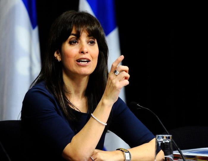 La députée Véronique Hivon, marraine du projet de loi 52.