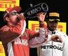 Le champagne avait bon goût dans la bouche de Kimi Räikkönen, vainqueur du GP des États-Unis devant Lewis Hamilton qui semblait trouver le temps long sur le podium.