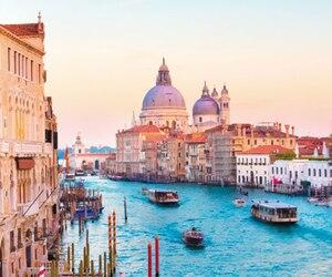 La facture de ce voyage d'une semaine à Venise s'élève à plus de 16 000 $ selon des documents obtenus en vertu de la Loi sur l'accès à l'information.