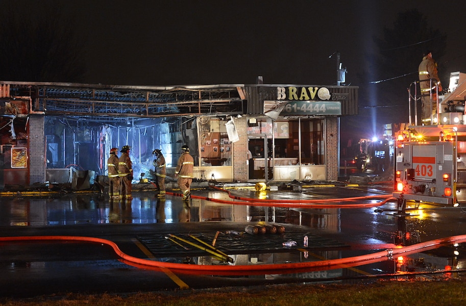 Un commerce de terrebonne endommag par un incendie for Club piscine terrebonne chemin gascon