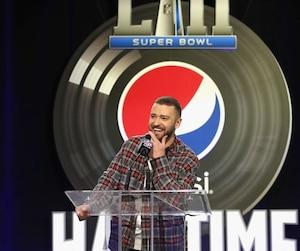 Devant les journalistes, Justin Timberlake a tout fait sauf se prendre au sérieux lors de la conférence de presse en prévision du spectacle de la mi-temps du Super Bowl.