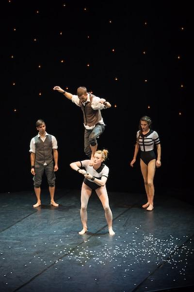 Le spectacle Beyond a ouvert le sixième festival Montréal Complètement Cirque.