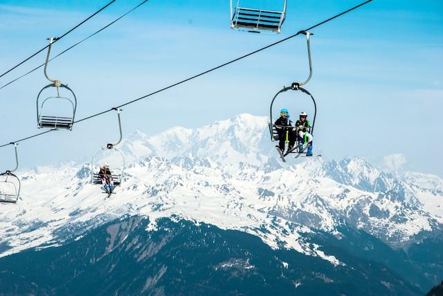 Le majestueux mont Blanc, en arrière-plan.