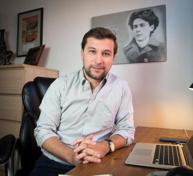 Gabriel Nadeau-Dubois est toujours en réflexion. Il ne sait pas encore s'il succédera àFrançoise David au sein de Québec solidaire.