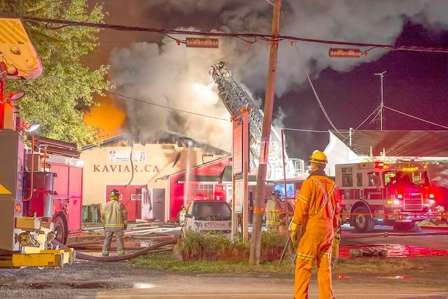 L'entreprise de toilettageKaviar international incendiée mercredi soir à Saint-Jean-sur-Richelieu a été déclarée perte totale.