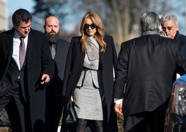 La famille Dion reçoit les condoléances suite au décès de Daniel Dion, le frère de Céline Dion, au Salon Charles Rajotte, à Repentigny, samedi 23 janvier 2016. Sur cette photo: Céline Dion.  JOEL LEMAY/AGENCE QMI