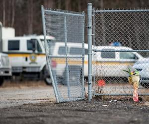 Enquête par la Sûreté du Québec (SQ) sur les lieux où a été retrouvé vendredi passé, près de la sortie 210 de l'autoroute 40, le corps de Cédrika Provencher depuis juillet 2007, à Saint-Maurice près de Trois-Rivières, dimanche 13 décembre 2015. JOEL LEMAY/AGENCE QMI