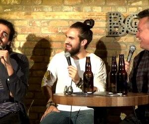 Adib Alkhalidey, Jeremy Du Temple et Mike Ward sur la scène du Bordel Comedy Club.