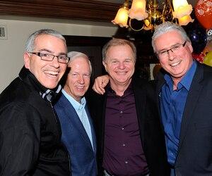 Sur cette photographie, Albert Ladouceur est notamment entouré du journaliste Bertrand Raymond et de son bon ami (à droite) Alain Crête.