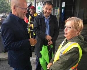 De gauche à droite, on reconnaît Marc Ranger, directeur du Syndicat canadien de la fonction publique (SCFP-Québec), Yanick Labrecque, conseiller au SCFP, et Francine Bédard, présidente du syndicat des brigadiers.