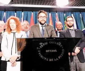 Les députés bloquistes Michel Boudrias, Rhéal Fortin, Simon Marcil, Monique Pauzé, Louis Plamondon, Luc Thériault et Gabriel Ste-Marie.